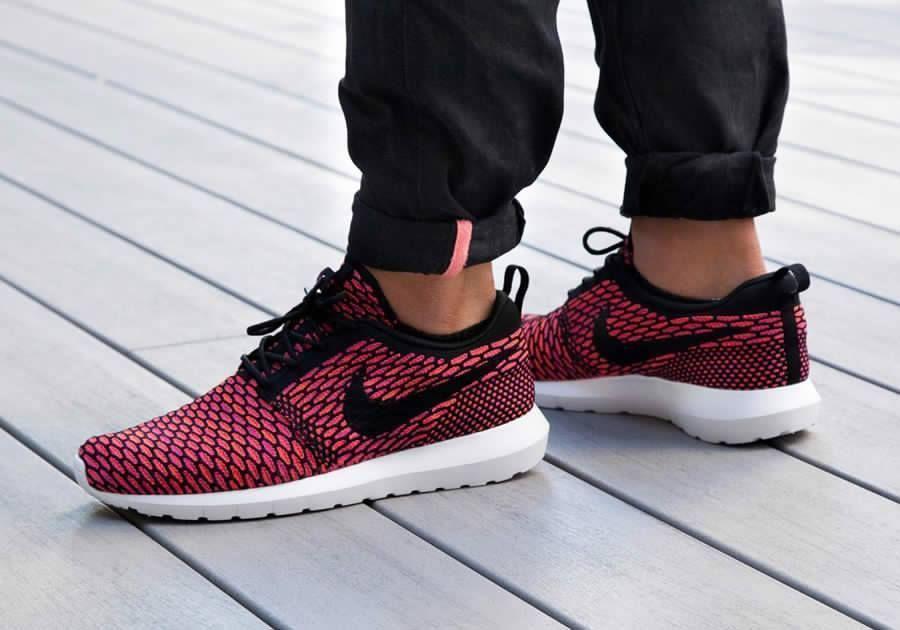 c5d61ee5b1d19 Nike Roshe Run Flyknit