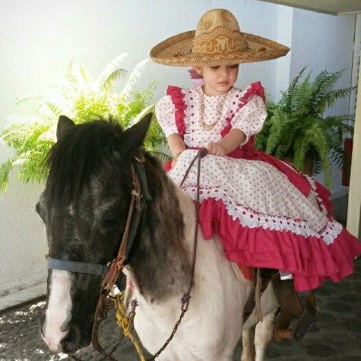 Vestidos Escaramuza En 2019 Vestidos Mexicanos Para Niña