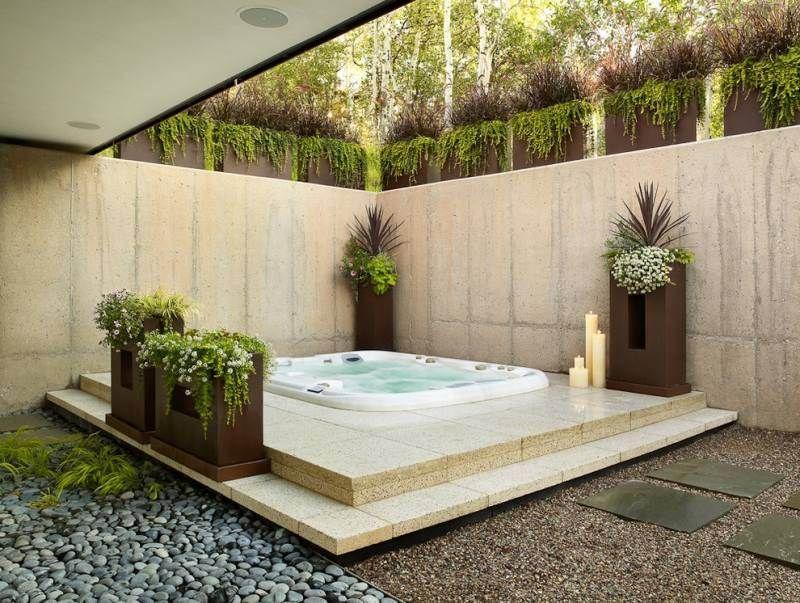 Jacuzzi extérieur idées pour créer votre oasis dans le jardin - amenagement jardin avec spa