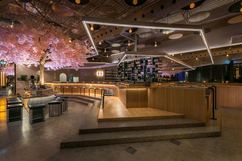 Le Blossom Japanese Restarant Montreal By Menard Dworkind Japanese Restaurant Design Sake Bar Japanese Bar