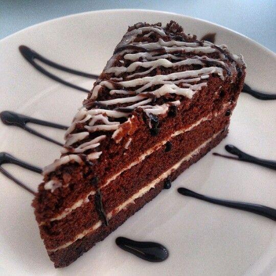 Chocolate cake with vanilla cream. in 2019 | Chocolate ...