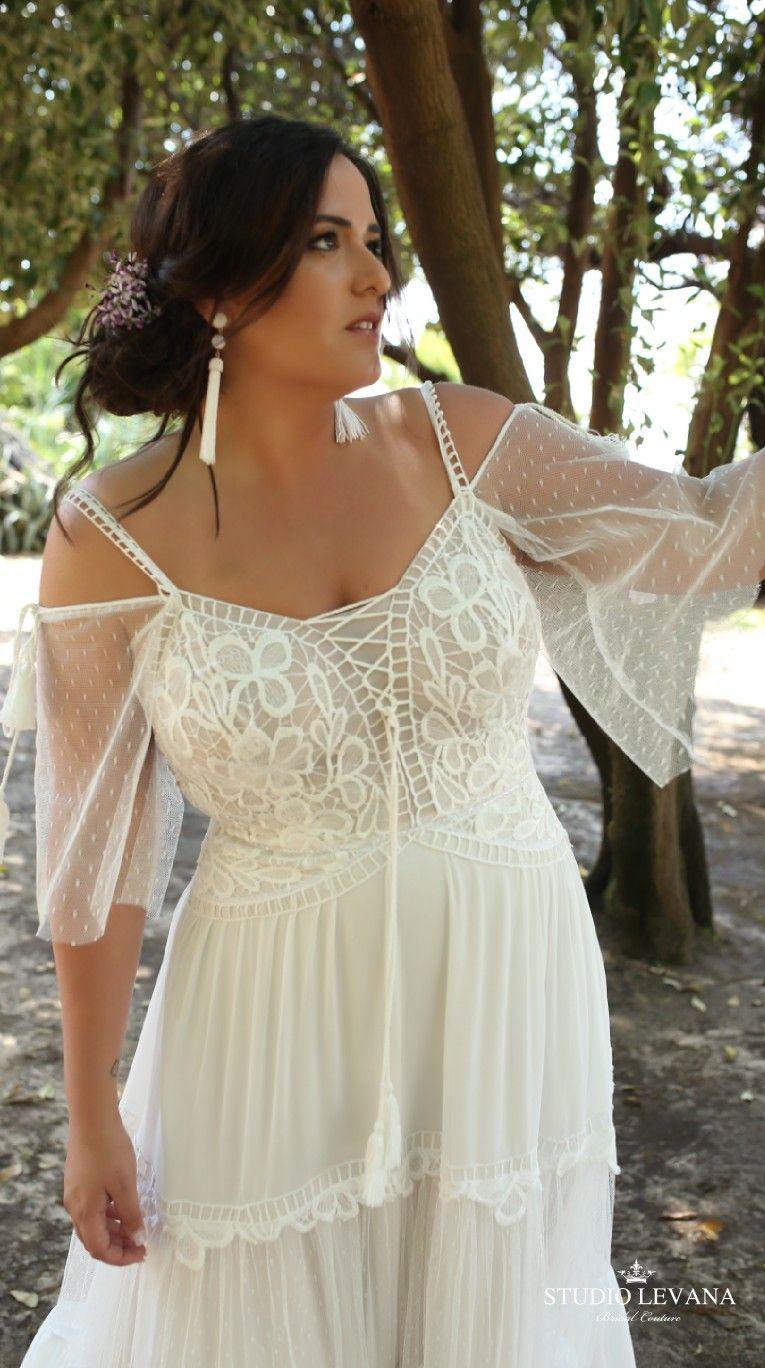 Boho Plus Size Wedding Gown With Off Shoulder Sleeves Agata Studio Levana Boho Wedding Gowns Wedding Dress Styles Wedding Dresses Plus Size