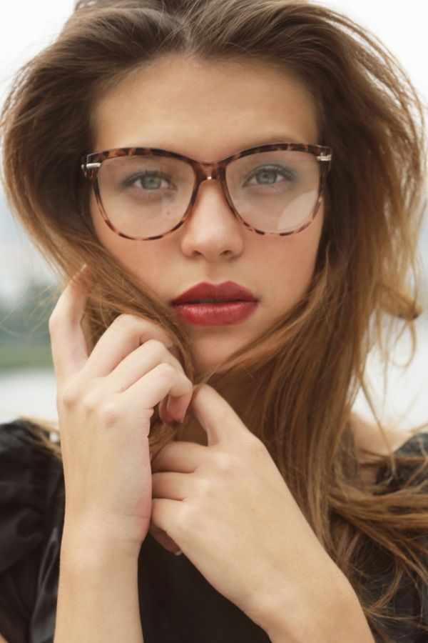 Prime Eyes Lips Hands Hair Cheeks Glasses Everything About This Is Hairstyle Inspiration Daily Dogsangcom