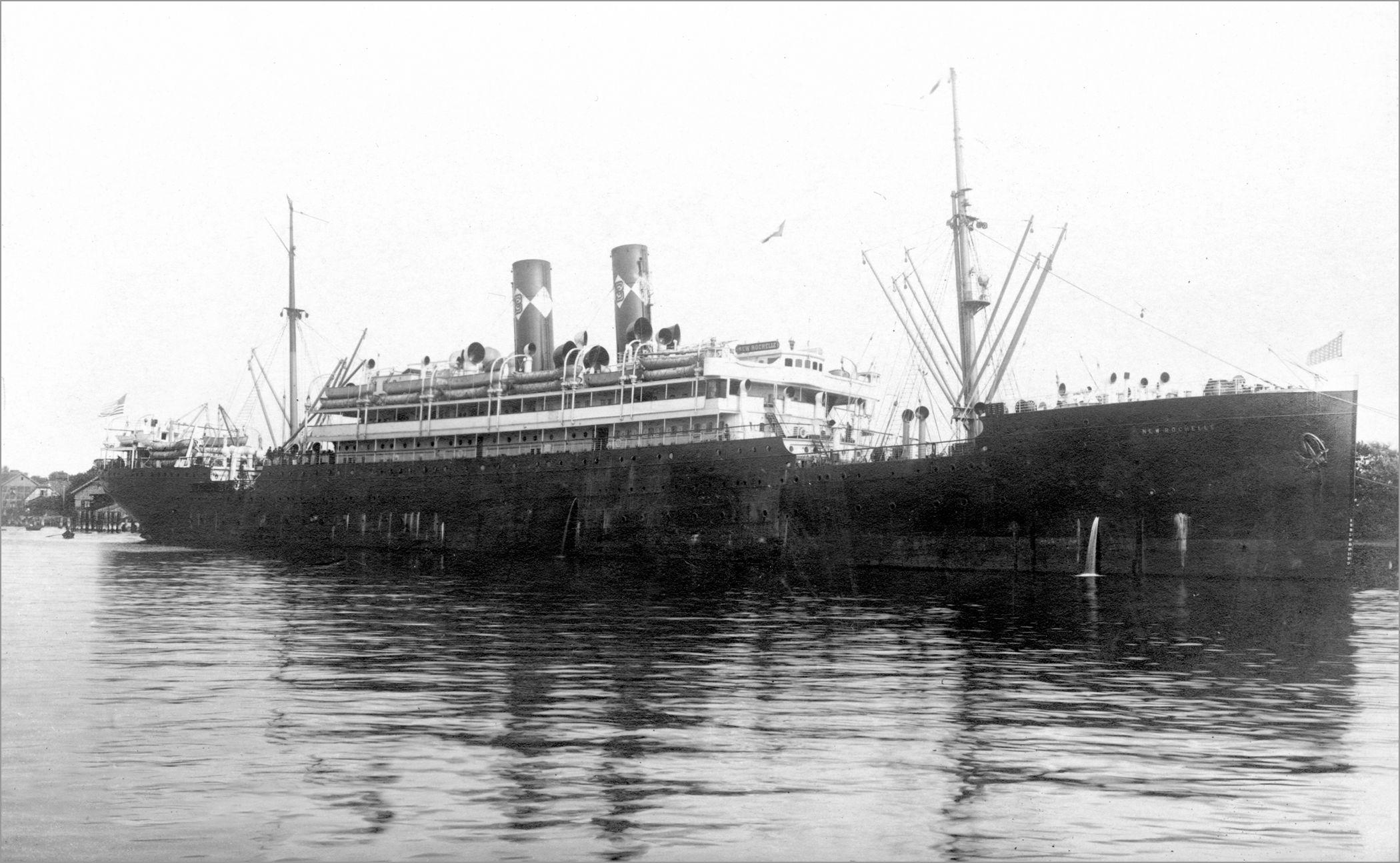 Hamburg Ship CARLI,Ignario Ellis island, Island, Passenger