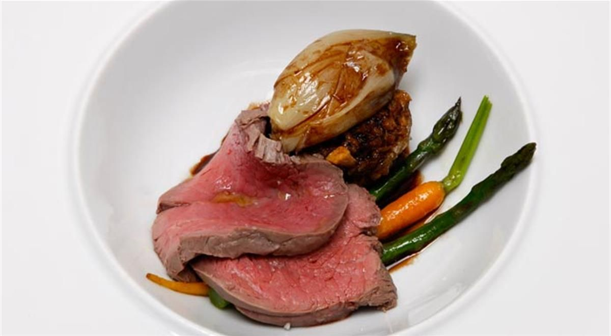 Beef Tenderloin Plunged In Merlot With Shallots And Tail Of Veal Recipe Beef Recipes Veal Recipes Food Recipes