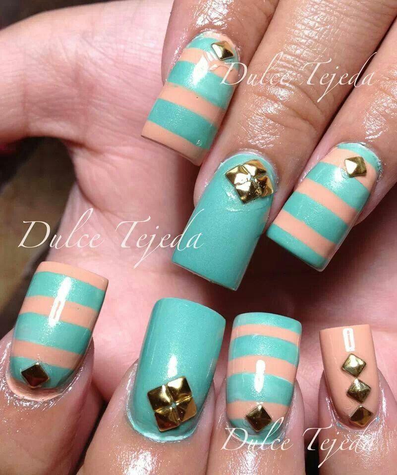 Hermosas y sencillas uñas color menta y melon decorado con ...