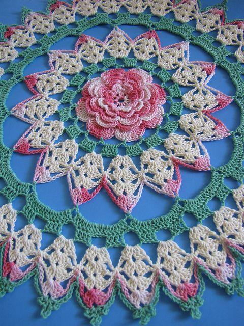 Rhapsody Rose Doily pattern by Elizabeth Ann White   Tejido en ...