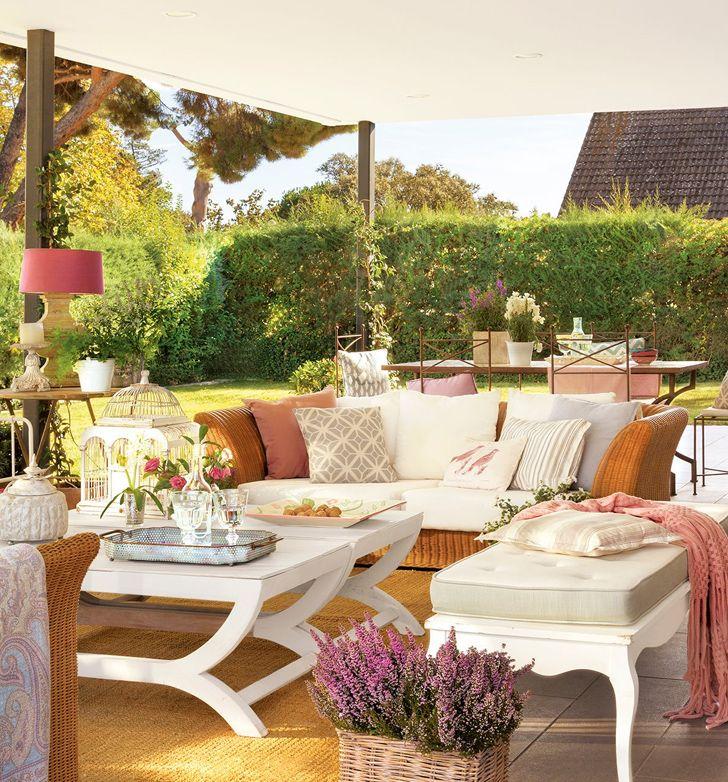 Porche de verano terrazas y for Piscina jardin 727