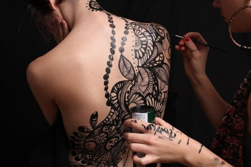 Mehndi Tattoo On Back : Do you want access to 8 000 tattoo designs and photos? then visit