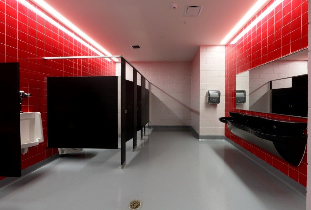 Biloxi Jr High School American Olean Bathrooms In 2020 School