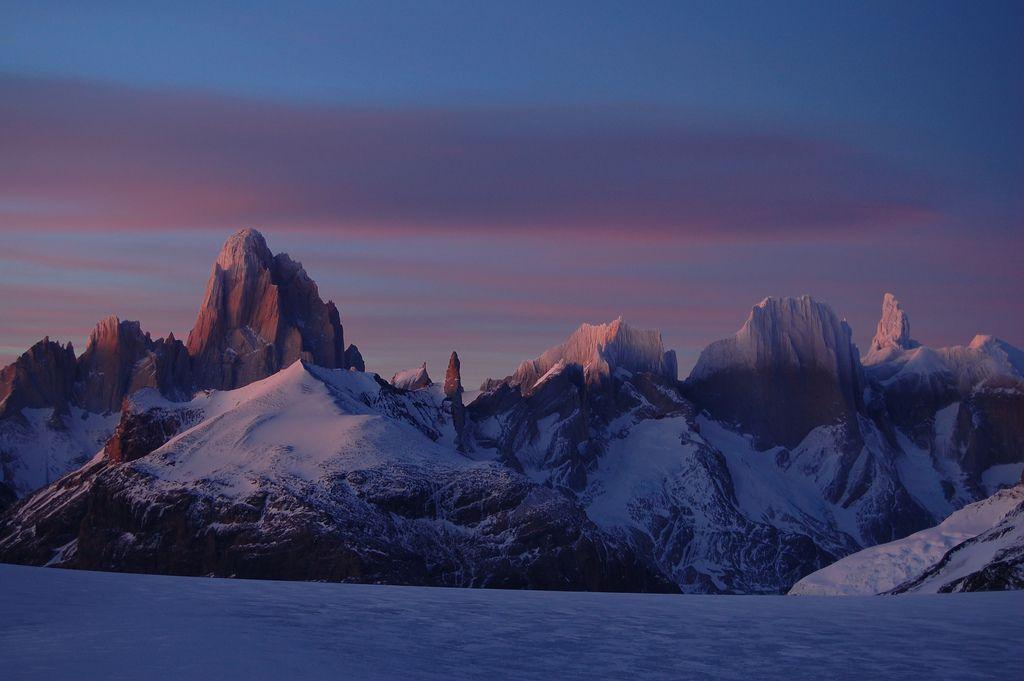 La cara chilena del Monte Fitz-roy - desde Campo de Hielo sur , CHILE.