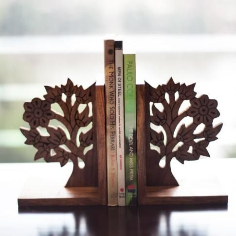 This Tree of life bookend in classy brown has been beautifully engraved & crafted in the shape of tree depicting tree of life - cooliyo.com