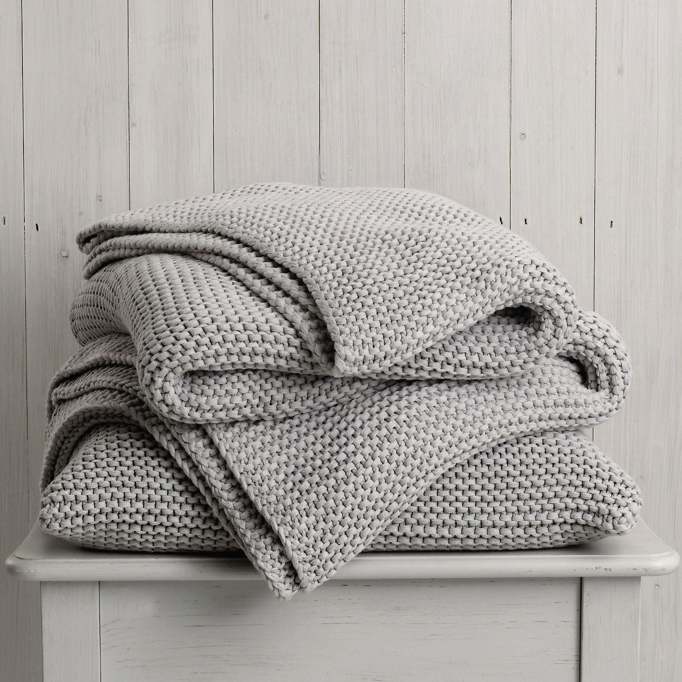Grey Knit Throw Pillow : The 25+ best Grey throws ideas on Pinterest Grey throw pillows, Throws for sofas and Knitted ...
