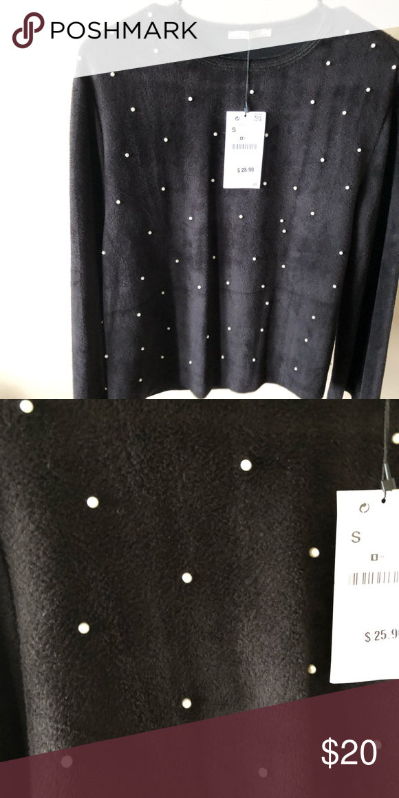 Zara Faux Pearl Top Small Faux Pearls On The Front Of The Top The Sleeves Have A Wide Opening Top Can Be Considered Cropped If You Faux Pearl Zara Tops Zara