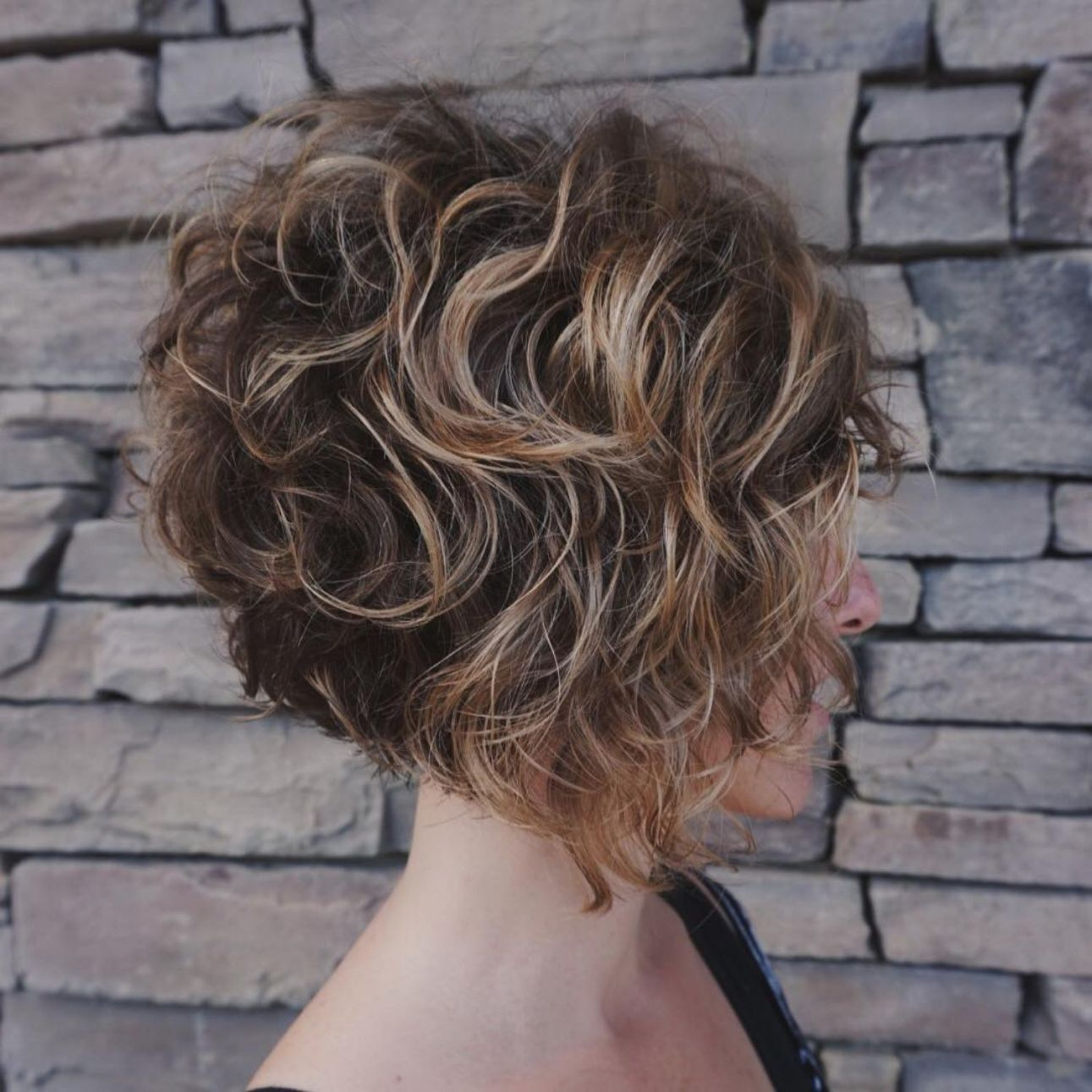 65 Different Versions of Curly Bob Hairstyle   Short curly bob hairstyles, Hair styles, Thick ...
