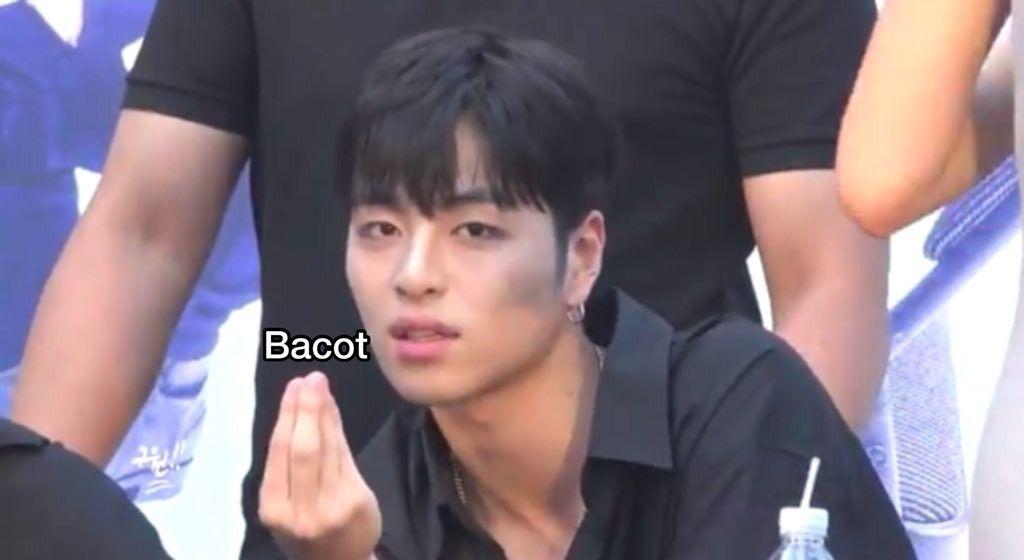 Pin Oleh Tae Di Meme Meme Kpop Meme Lucu Meme