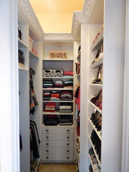 12 Small Walk In Closet Ideas And Organizer Designs Closet Layout Closet Remodel Small Walkin Closet
