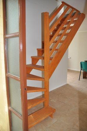 Escaleras de madera en chile clientes clientes for Como hacer una escalera de madera para segundo piso