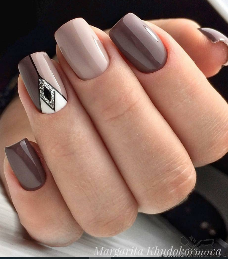 Brown Acrylic Short Square Nails Design For Summer Nails Short Square Nails Color Ideas Natural Gel Short Squar In 2020 Square Nail Designs Trendy Nails Nail Designs
