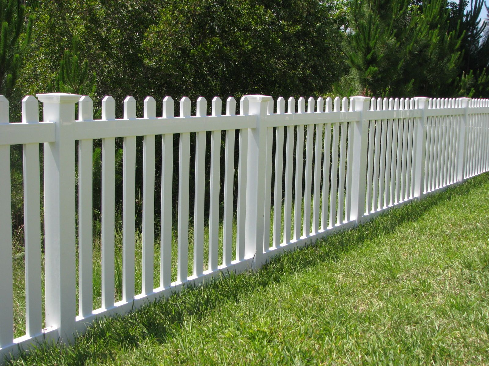 Jamestown Vinyl Picket Fence With New England Caps By Mossy Oak Fence Vinyl Fence Fence Design Building A Fence