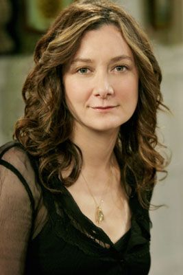 Sara Gilbert (born Sara Rebecca Abeles; January 29, 1975) is an American actress, best known for her role as Darlene Conner on the ABC sitcom Roseanne from 1988 to 1997, as co-host and creator of the daytime talk show The Talk and for her recurring role as Leslie Winkle on CBS's The Big Bang Theory. A Magna Cum Laude graduate of Yale University, with a degree in art.