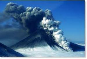 Alaska Volcano Erupts With New Strength But Unrelated To Quake - http://earthchangesmedia.com/alaska-volcano-erupts-with-new-strength-but-unrelated-to-quake
