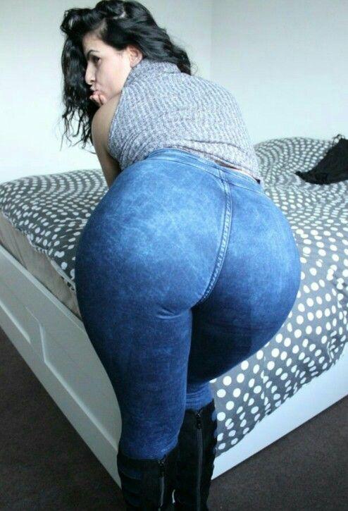 Candid booty milf jeans culote de la dama de negro - 2 part 10
