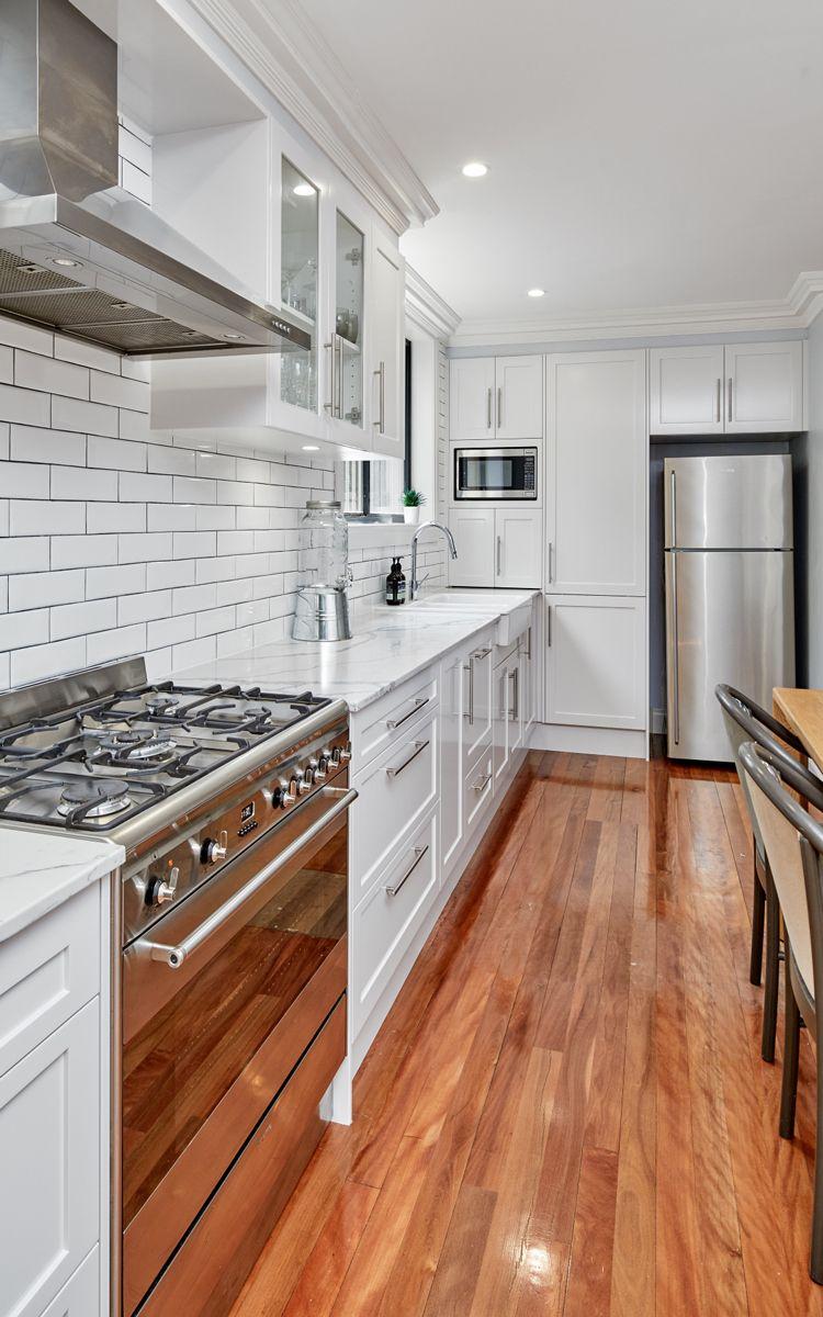 Designline Kitchens Bathrooms Smartstone Statuario Venato Brings The Beauty Of Prized Italian Marble In Durable Kitchen Kitchens Bathrooms Kitchen Design