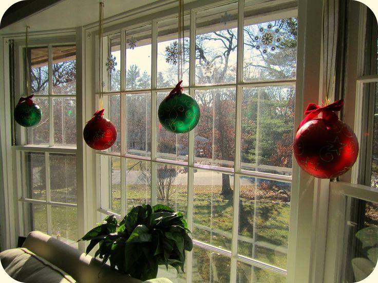Decorating A Bay Window Ledge Bay Window Christmas