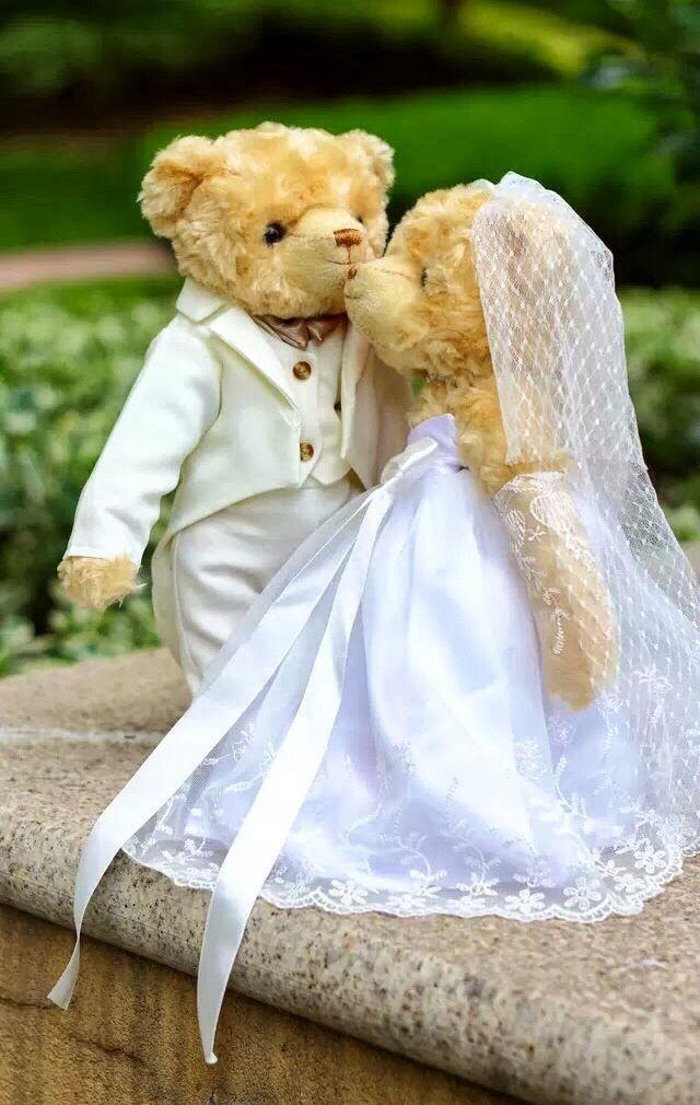 08b689d7e52 Bride and Groom Teddy Bears