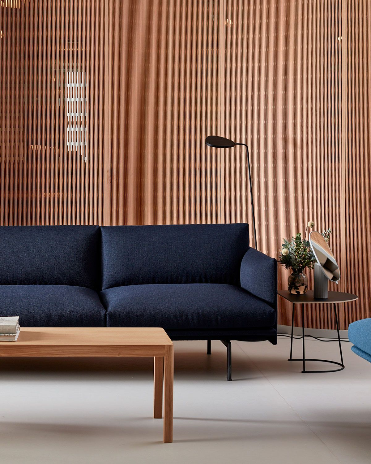 Modernly Timeless Muuto S Outline Sofa In A Dark Blue Hue Accompanied Here With The Scandinavian Sofa Design Living Room Scandinavian Living Room Inspiration