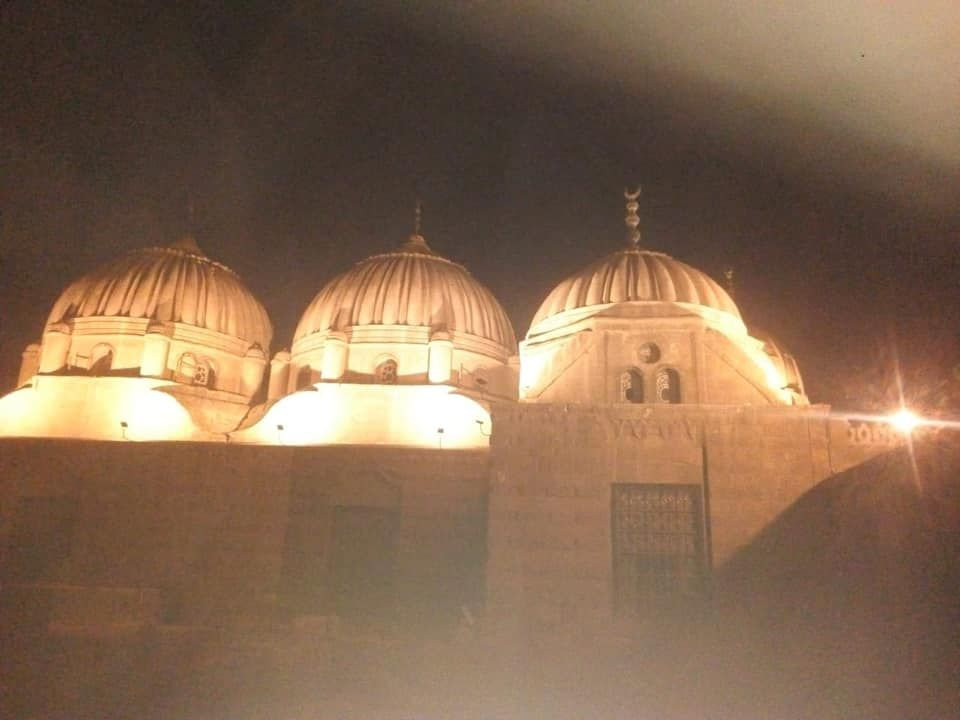 إضاءة قباب مقابر الأسرة العلوية الأثرية منطقة آثار الإمام الشافعي Places To Visit Taj Mahal Landmarks