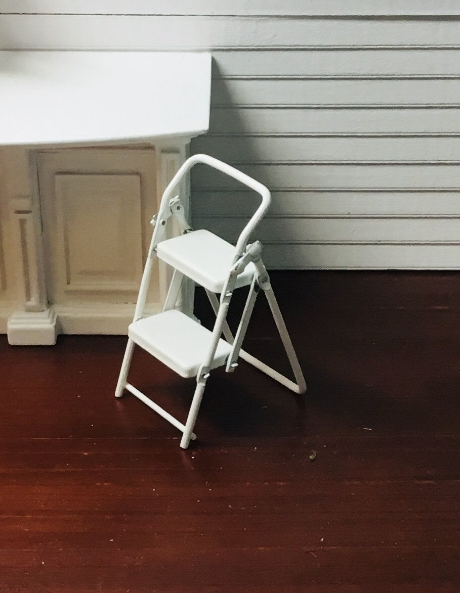 Dollhouse Miniature White Metal Folding Ladder Stool 1 12 Scale In 2020 Folding Ladder White Metal Dollhouse Miniatures
