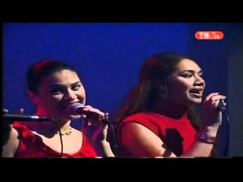 Siva Samoa and Taualuga performed by the beautiful girls of Taupou