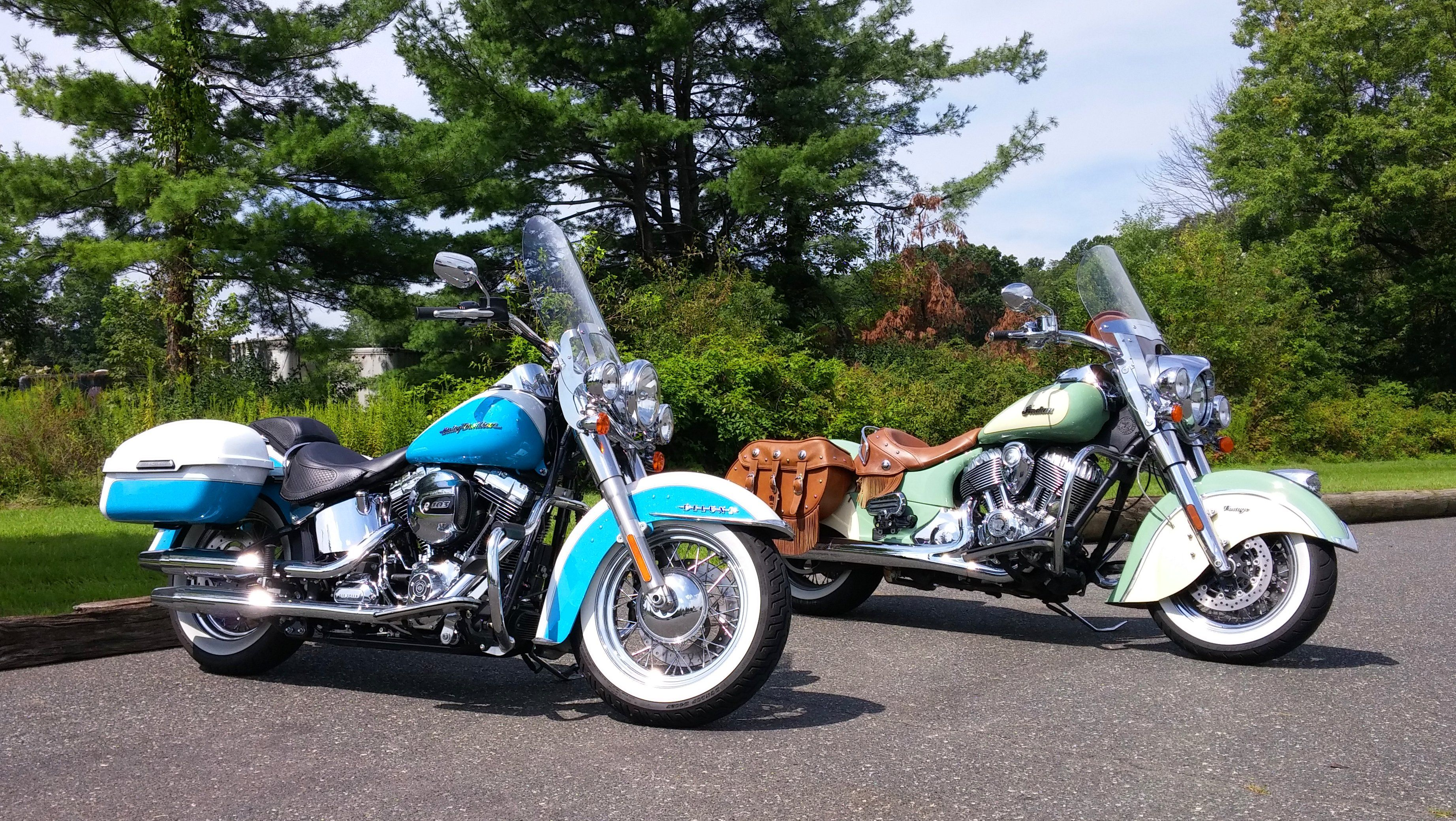 Indian Chief Vintage With Its Garage Mate A Harley Softail Deluxe With Hard Street Saddle Bags Motorrad Autos Trucks