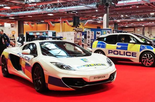UK's Fastest Police Car: Force Reveal McLaren MP4-12C ...