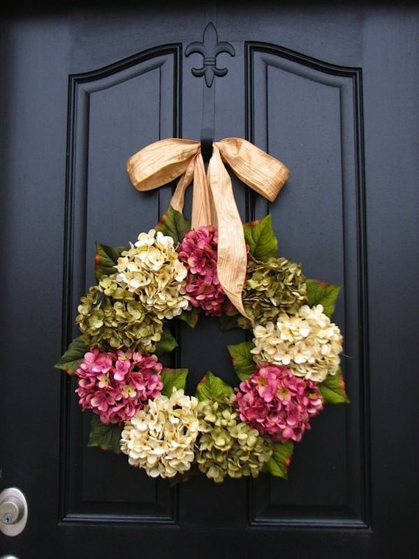 Classic Flower Pattern   Seasonal Decorating Ideas   Spring And Summer  Wreaths
