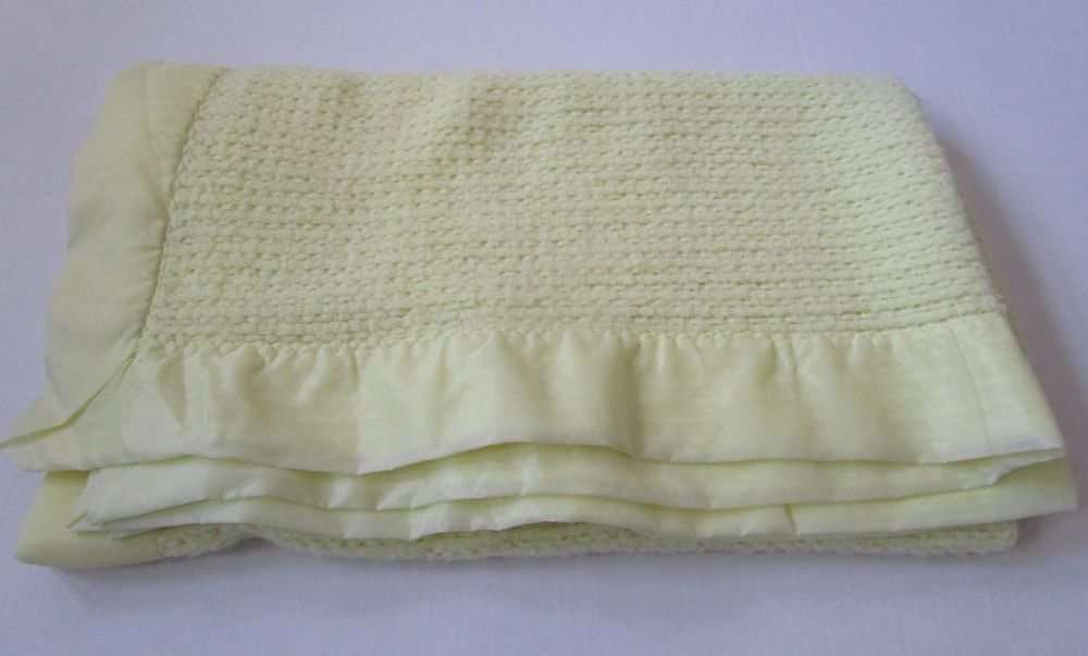 Vintage Acrylic Baby Blanket Yellow Waffle Thermal Open Weave 48x39 Nylon  Trim  Unbranded 2d0e29bd6
