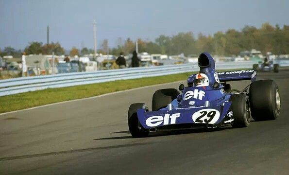 #29 Chris Amon (NZ) - Tyrrell 005 (Ford Cosworth V8) withdrew after Cevert accident (12) Elf Team Tyrrell