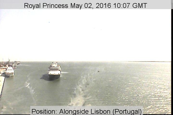 Royal Princess - Bridge (Forward) Webcam / Camera