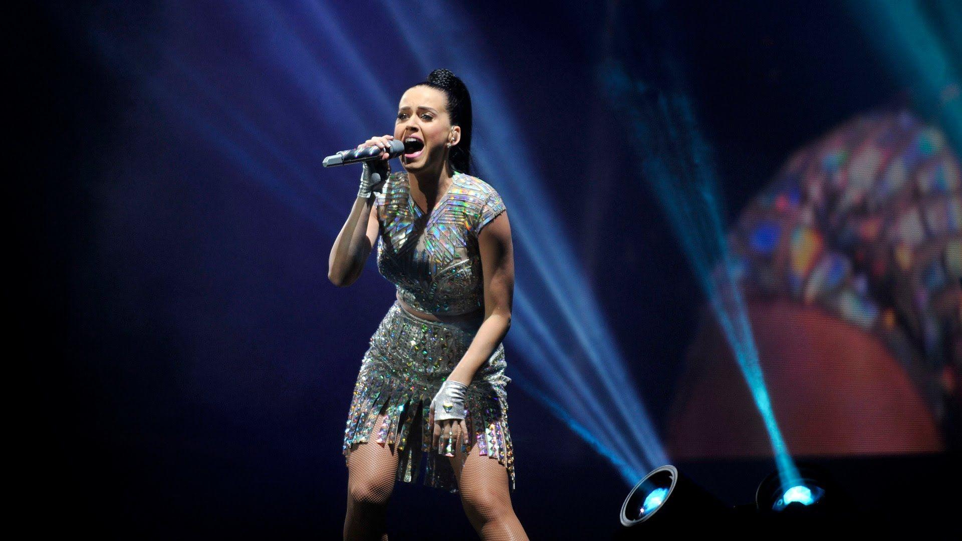 Katy Perry - Dark Horse (Radio 1's Big Weekend 2014)
