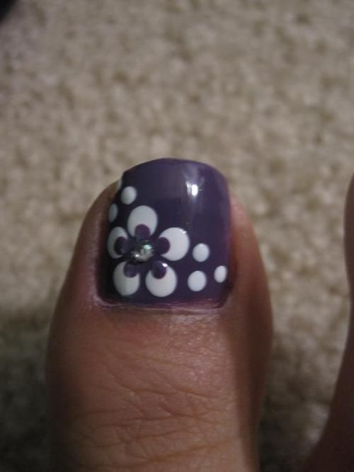 This is very similar to the nailart currently on both of my big this is very similar to the nailart currently on both of my big toes color in the center of the flowers on mine is hot pink and i love it so cute prinsesfo Choice Image