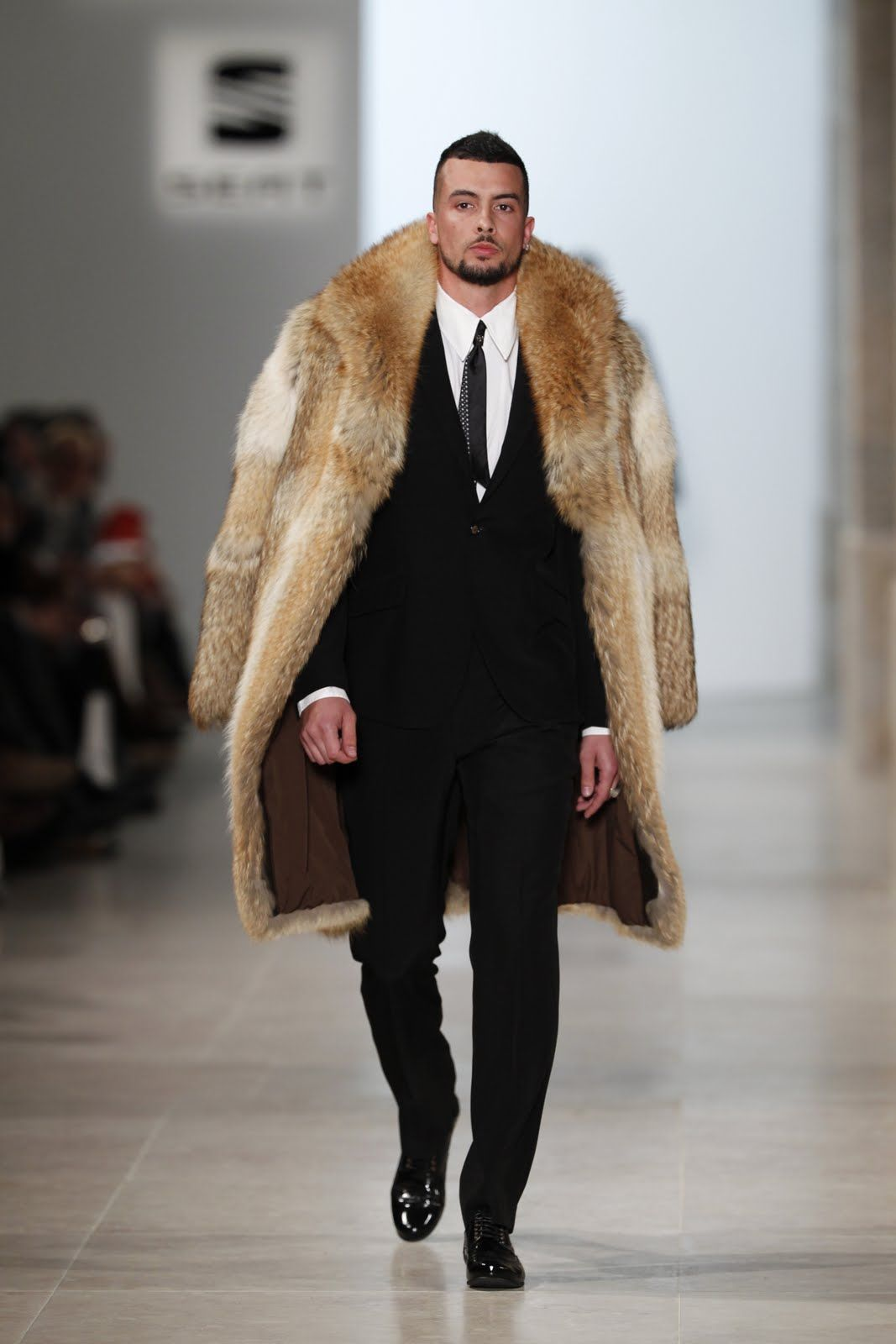 What do you think of men in fur? Conceito Homem ...