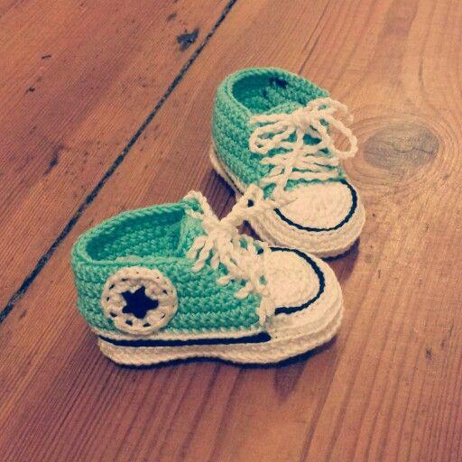 Baby Chucks Häkeln Crochet Baby Booties Diy Häkeln Pinterest