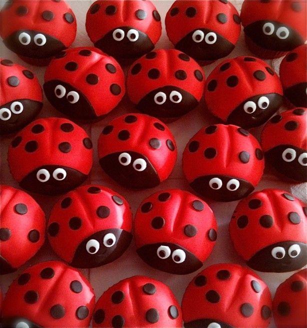 Cupcake Lieveheerstbeestjes Bekleed Met Marsepein Leuk In