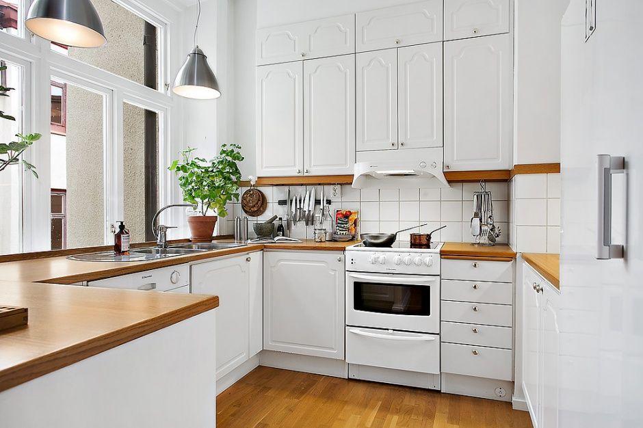 Kuchnia W Typowym Skandynawskim Stylu Prosta Oszczedna W Formie Biala Kitchen Redo Kitchen Dining Room Tiny Kitchen