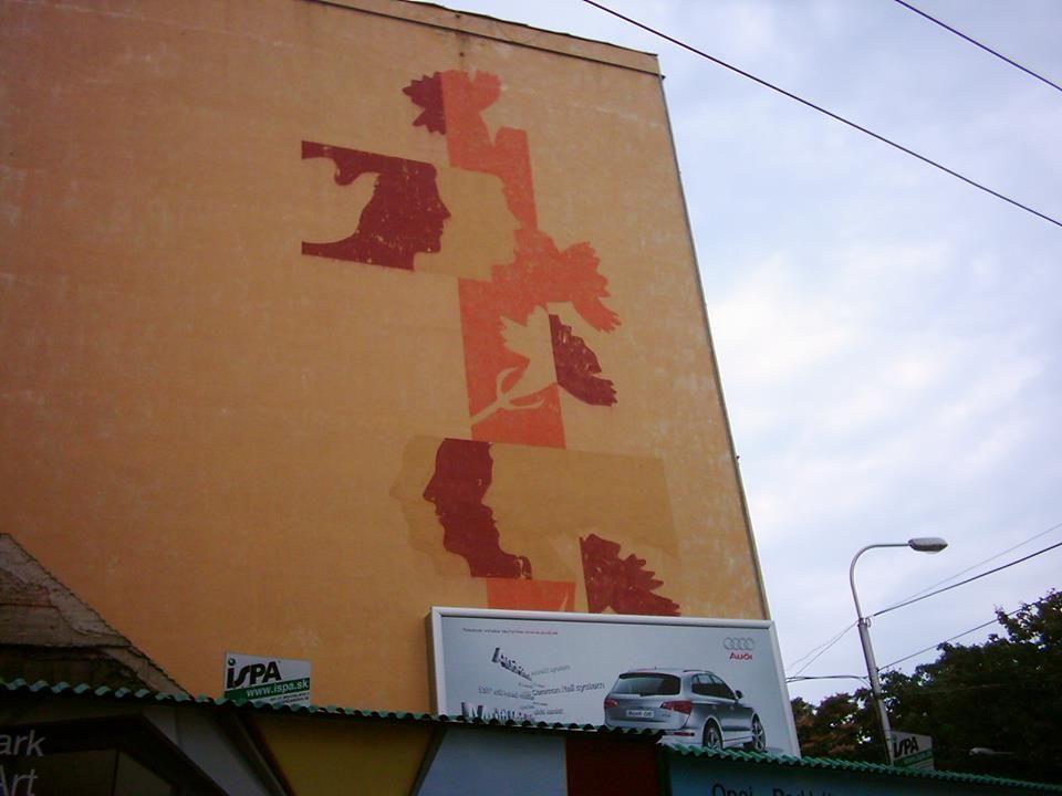 Nájdené v archíve. Na rohu Špitálskej a Ulici 29. augusta. Odfotené 2009. Zničené. Autor: neznámy (Peter Darnády??)