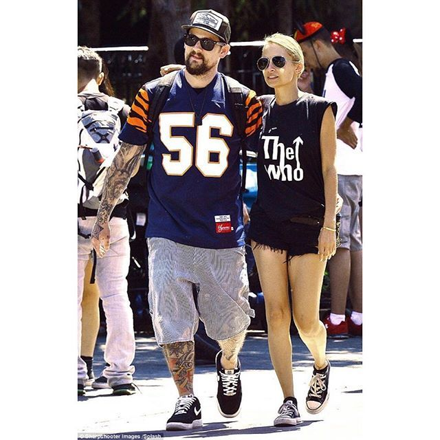 Bit of a Monday morning flash back to @nicolerichie in FOX BLACK BONITAS while at Disneyland, CA with hubby @joelmadden and family | Shop the link in our bio #OneTeaspoon #denim #nicolerichie