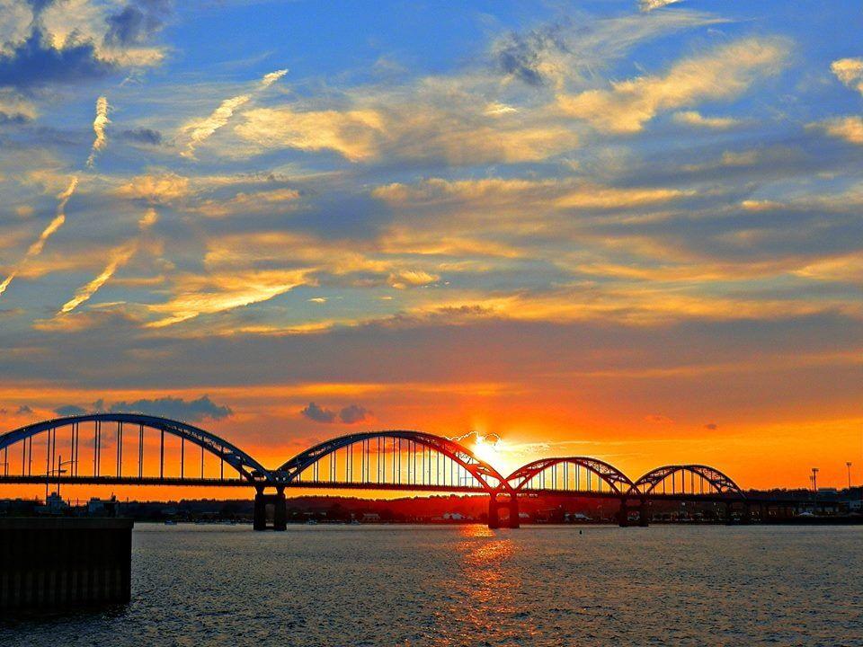 Centennial Bridge -Mississippi River - Photo by Mark Detl ...