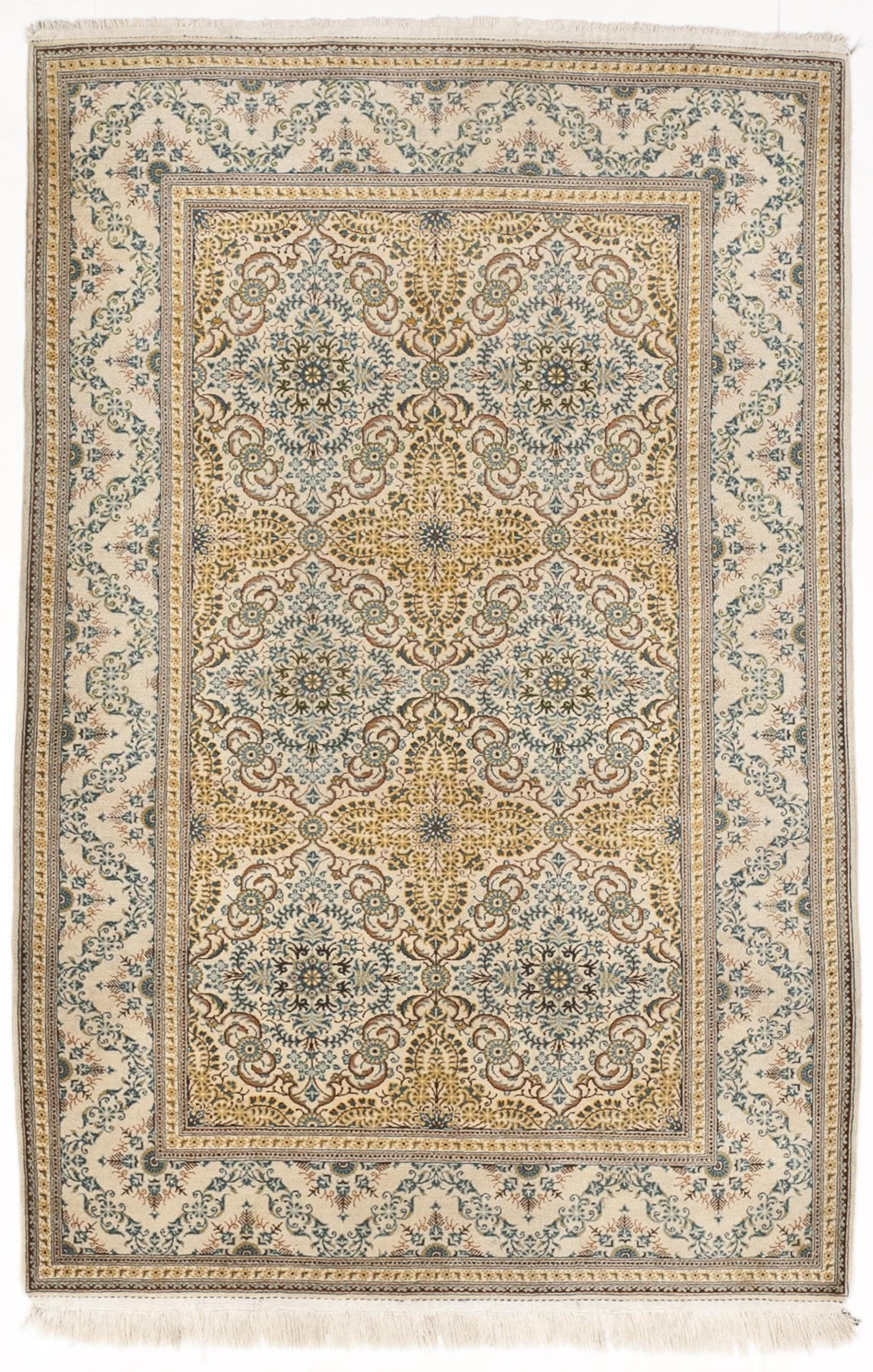 Nlr 196 Rare Semi Antique Kashan Rug Of Unusual Design 4 5 X 6 10 By Nasserluxuryrugs On Etsy Rugs Vintage Rugs Traditional Rugs